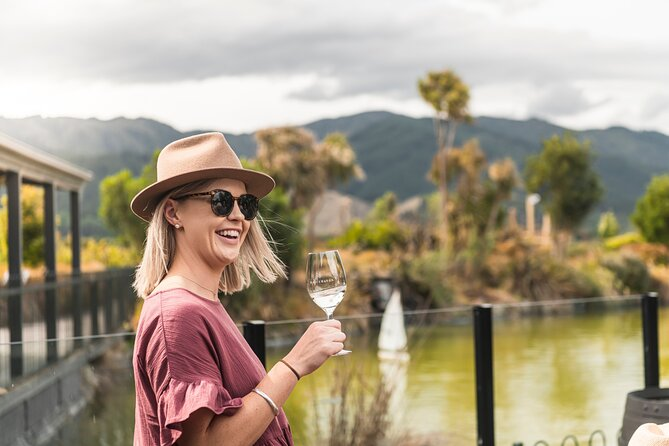 5-Hour Marlborough Afternoon Wine Tour with Tastings