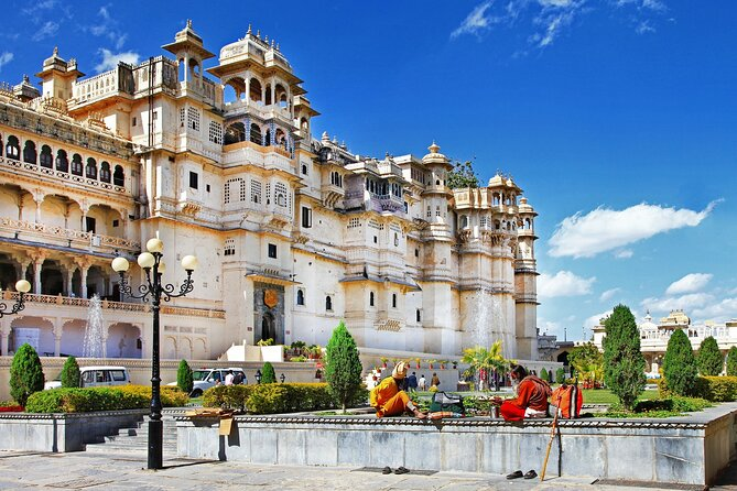 6-Day Private Mount Abu and Udaipur Tour with Pick-up
