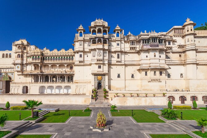 A Complete India Trip with Taj, Orchha & Khajuraho in 22 Days