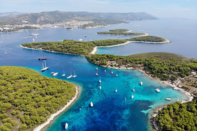 5 Islands Speedboat Tour with Blue Cave and Hvar from Trogir