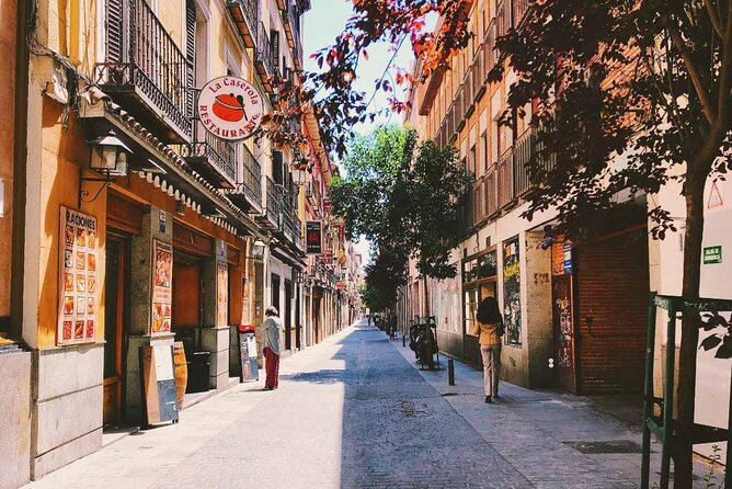Hidden Gems of Madrid Private City Exploration Game
