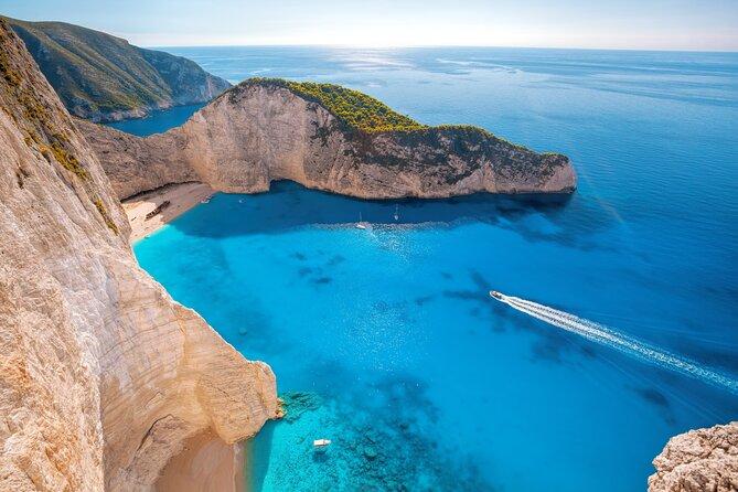 Private Boat Tour around Shipwreck and Agios Nikolas in Zante