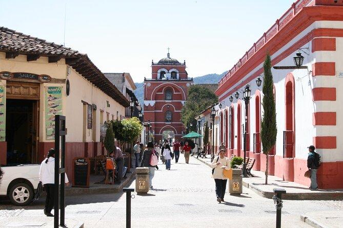 Walker and Arco del Carmen