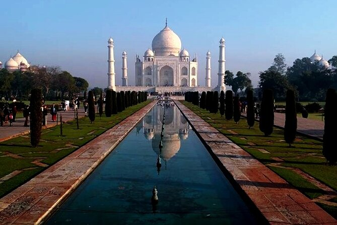 Ahmedabad to Taj Mahal & Agra Fort Same Day Private Tour with Return Flights