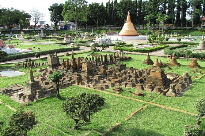 Thailand's Landmarks at Mini Siam