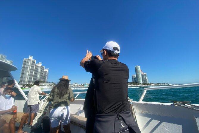 MIAMI: 90-Min South Beach Cruise Millionaire Homes Spanish & Hard Rock Cafe Meal