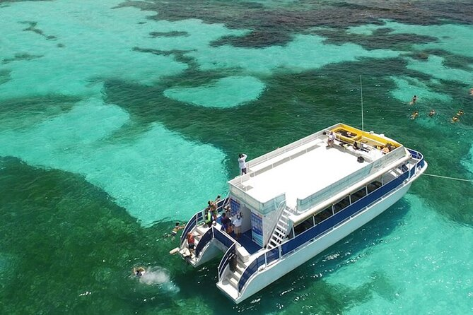 Catamaran Unlimited To Isla Mujeres with lunch and open bar