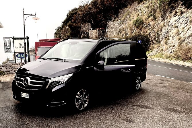 From Positano: Deluxe private transfer to Rome city center or airports.