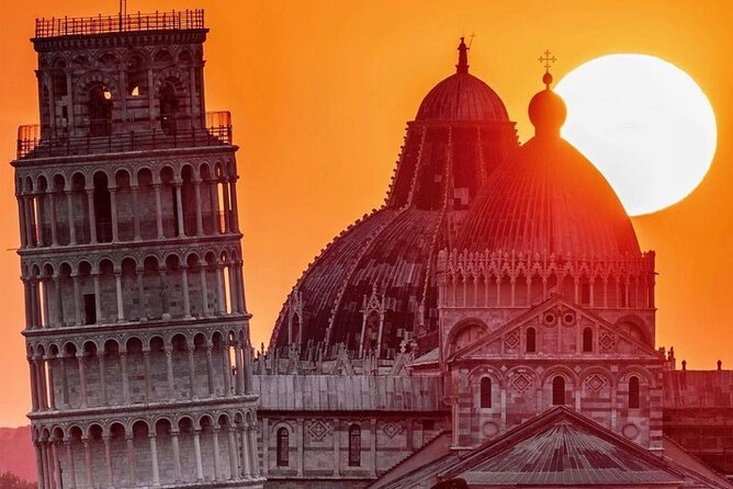 PRIVATE Full-Day Tour around Pisa and Lucca from Florence