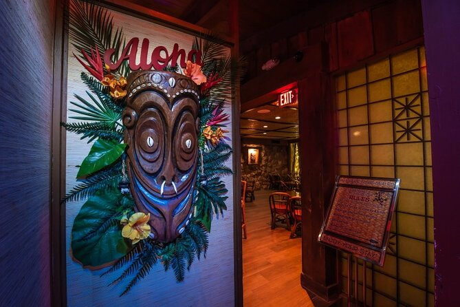 Tiki Trivia Trolley Tour with Local Performer and Guide