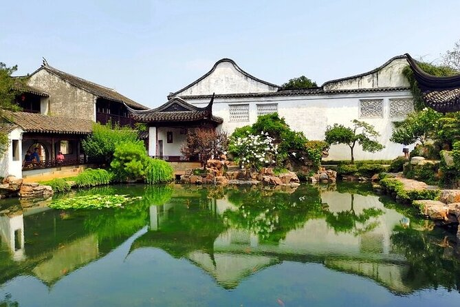 Authentic Suzhou and Zhouzhuang or Tongli Private Tour from Shanghai
