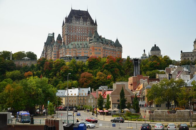 Private city exploration game Quebec Old Town