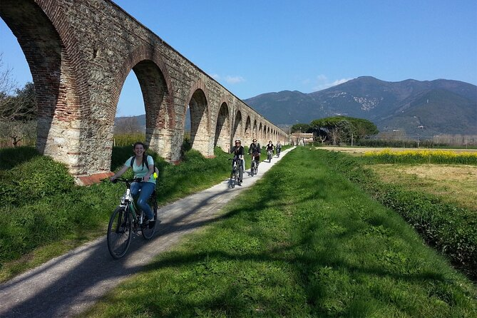 Lucca to Pisa Private Cycling tour