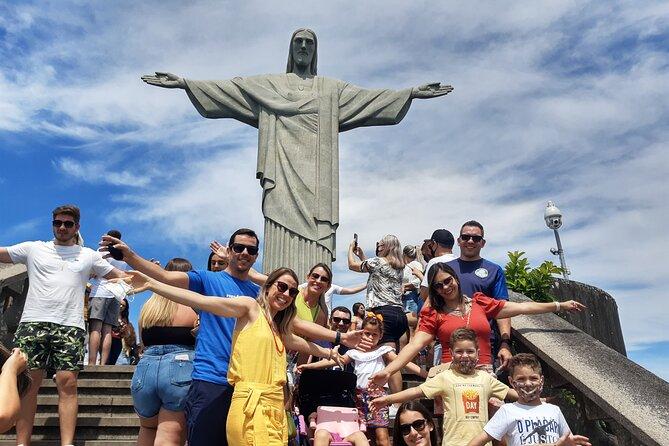 Excursão particular de meio dia aos destinos obrigatórios do Rio, incluindo o Cristo, Pão de Açúcar e Escadaria Selarón