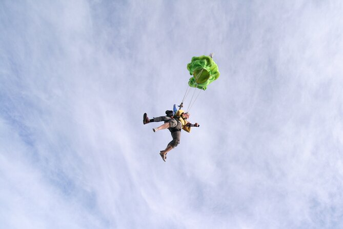 Tandem Skydiving Lake Delton