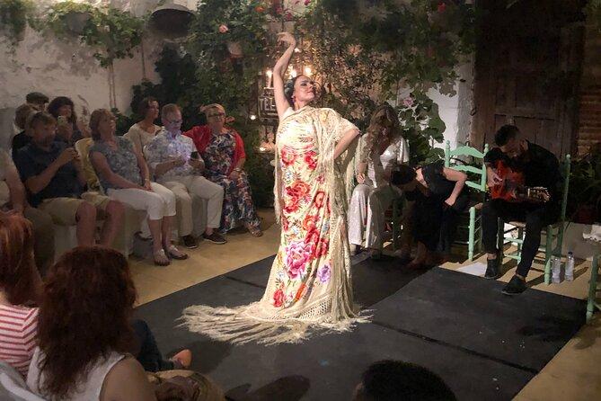 Tablao Flamenco Patio La Puerta Ancha with TAPAS