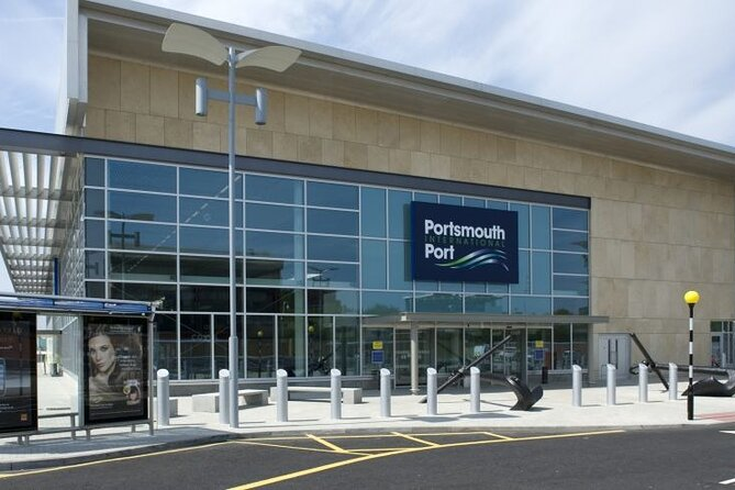 Private Airport Arrival Transfer: Portsmouth Cruise Terminal to Stansted Airport