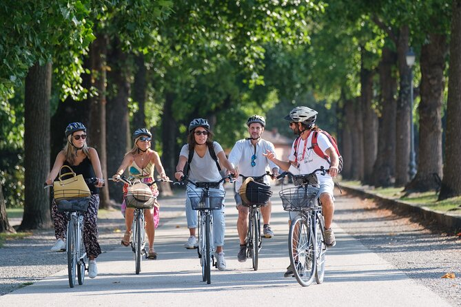 Lucca Bikes and Bites with food tastings for Small Groups or Private