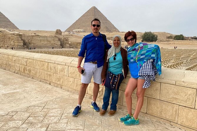 All Inclusive Full-Day Tour to Pyramids, Museum, mosque and Felucca