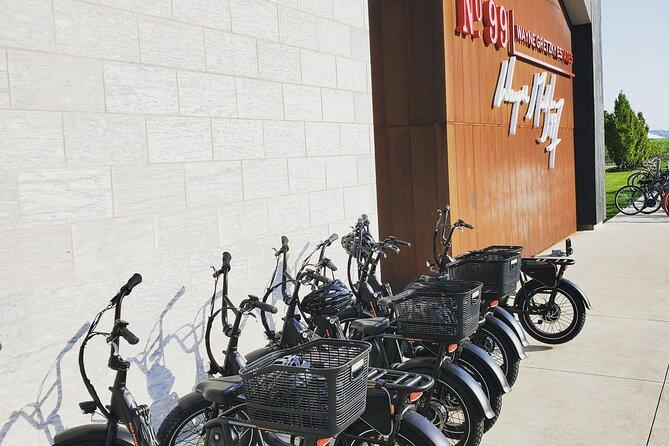 E-Bike Rental Tour and Explore in Niagara-on-the-Lake