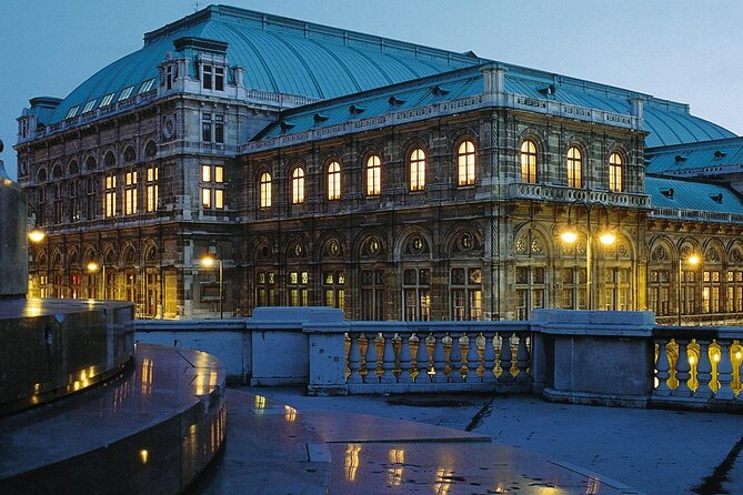 4 Days Guided Tour of Vienna All Inclusive by Bus from Bologna