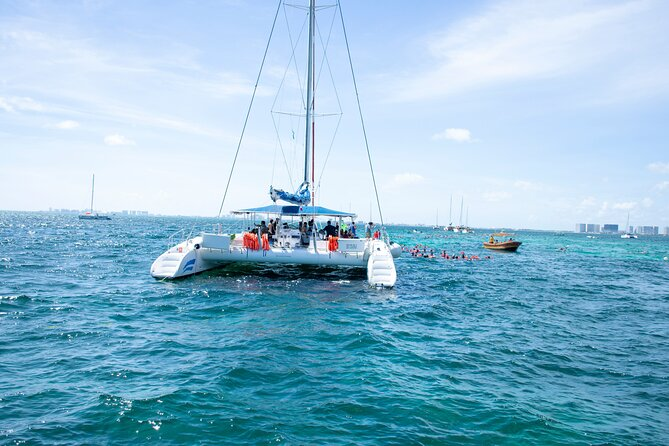 Isla Mujeres Catamaran with Open Bar Included