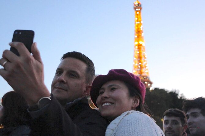Evening Eiffel Tower Tour & Seine River Cruise with Champagne