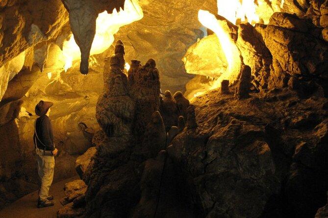 Ravnistarka Cave