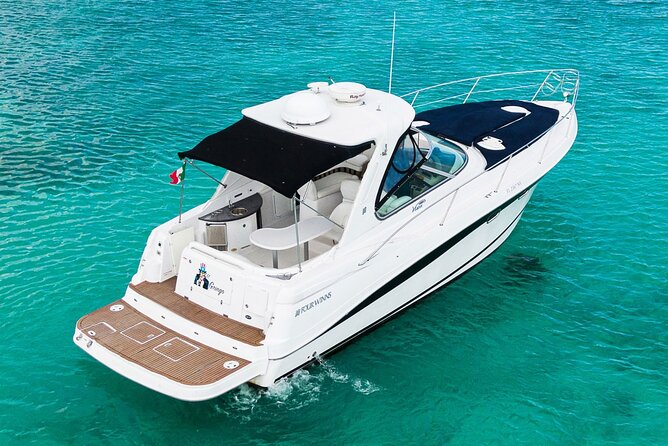 4-Hour Private 38' Yacht Tour to In-Ha Reef with Open Bar, Food & Snorkel