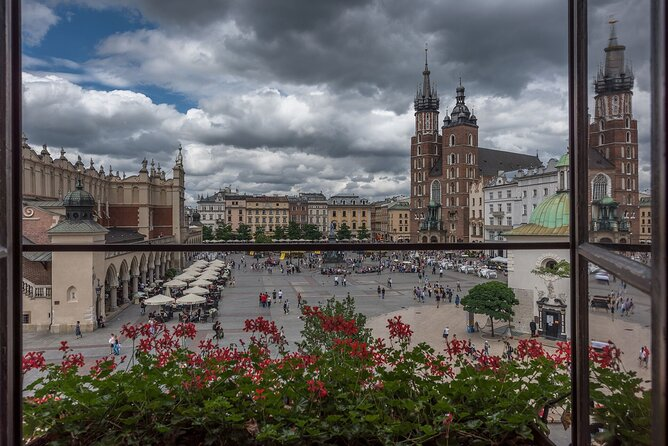 2-Hour Guided Walking Tour in The Old Town of Krakow