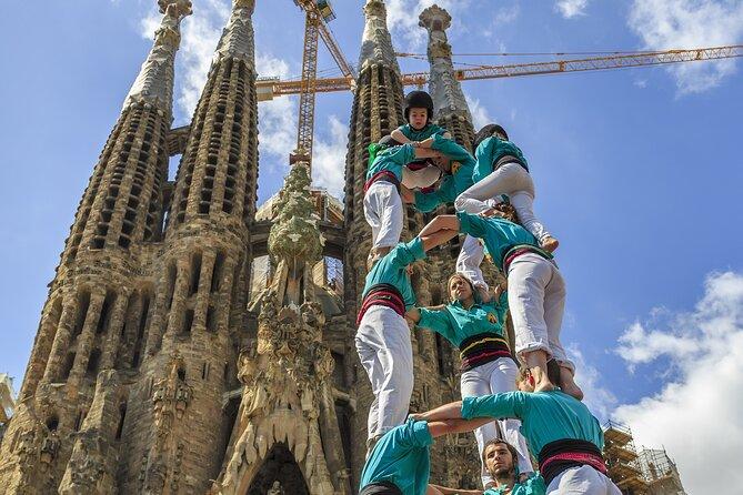 2 Days Private Tour: Gaudí and Sagrada Familia - Montserrat and Vineyard
