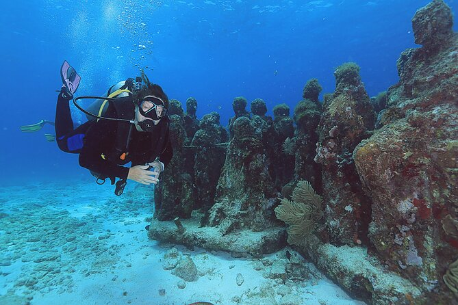 2 Tanks Dives Cancun Underwater Museum for Certified Divers