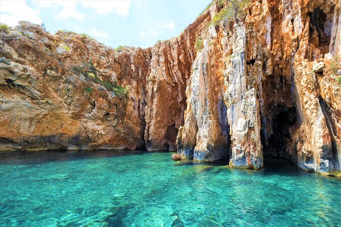 Private Tour of Red rocks, Pakleni Islands and Hvar's Southern Beaches