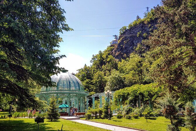 Private full day trip to Borjomi, hot springs, Uplistsikhe cave town and Gori