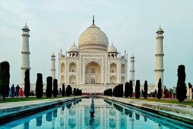 Photography tour of Taj Mahal and Agra fort.