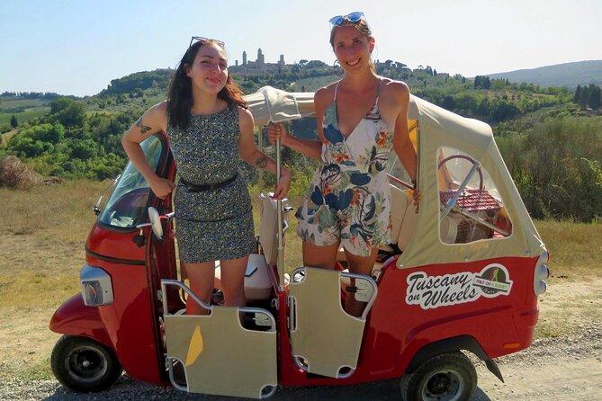 San Gimignano: Private Panoramic Tour in Chianti by TukTuk