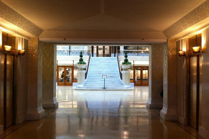 Chicago Architecture Walking Tour: Dazzling Interiors of the Loop
