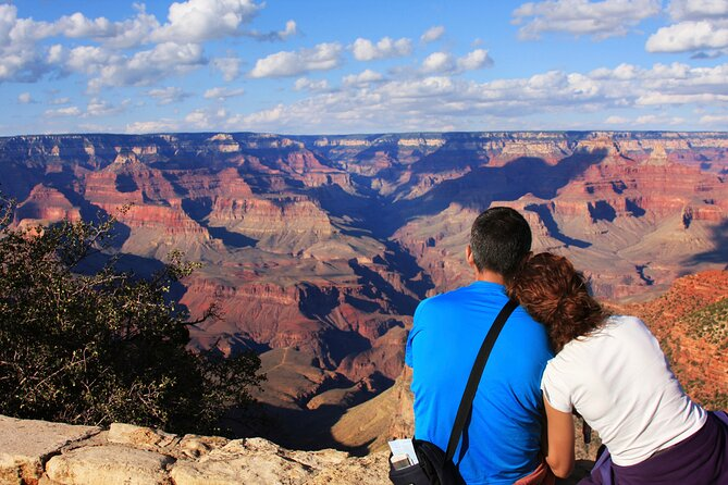 Grand Canyon South Day Tour by Bus with Helicopter or Hummer
