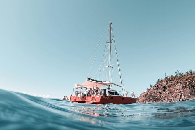 Full-Day Whitsunday Sail and Snorkel Adventure with Lunch