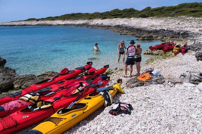 4-Hour Guided Sea Kayaking Activity in Hvar