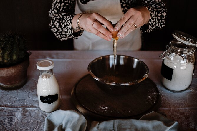 Private Piedmontese Cooking Course in Treiso with Meal