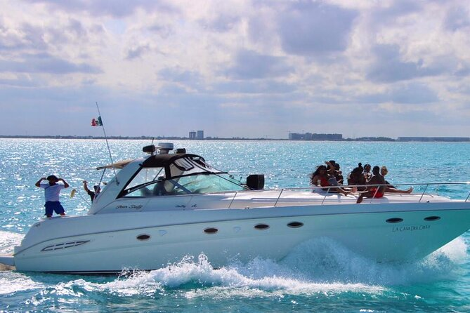 Private 48ft Premium Yacht Rental in Cancún 23P8