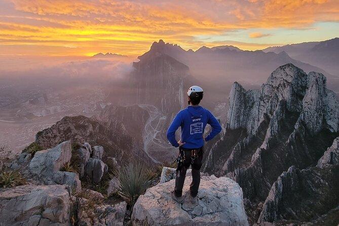 Nido de los Aguiluchos : Hiking + Rock Climbing + 3 Rappels