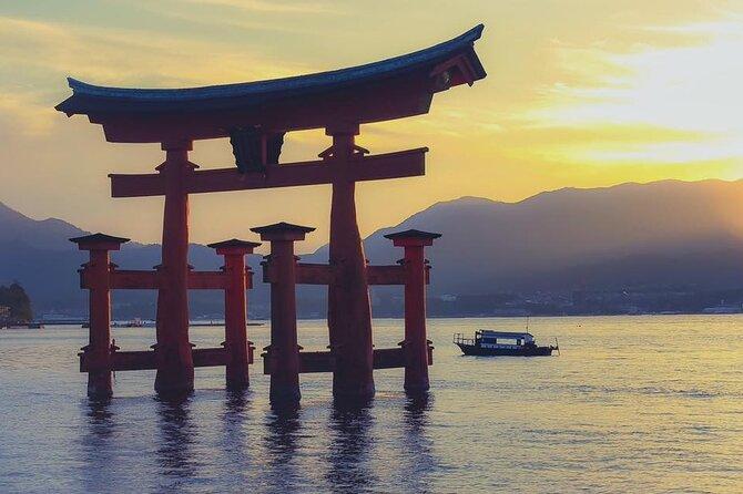 "Spectacular Cruise Tour Around Miyajima: Discover ""God's Island"" & Lunch"
