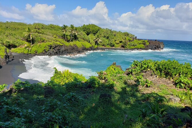 Full Circle Reverse - Luxury Road to Hana Tour from West Maui