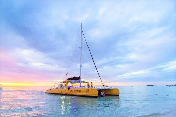 Catamaran Cruise, Negril Beach, and Rick's Cafe Daytrip with Snorkeling