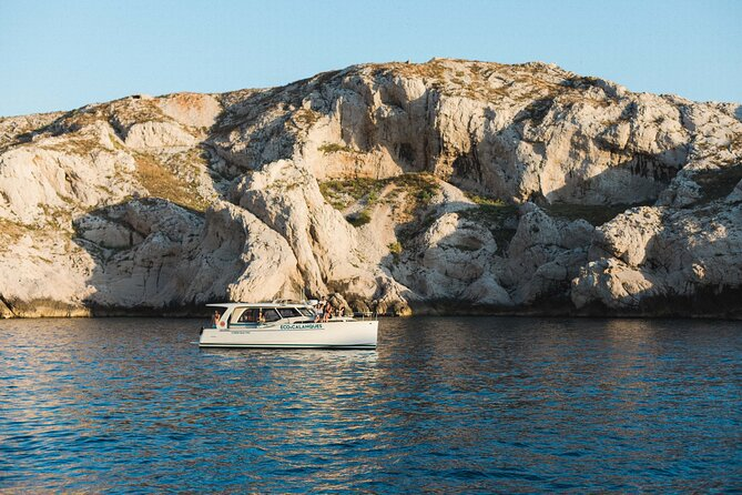 Day ecological cruise in the creeks from Marseille