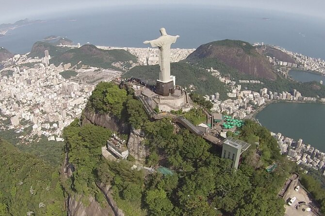 Panoramic Helicopter Flight in the best tourist spots in Rio.