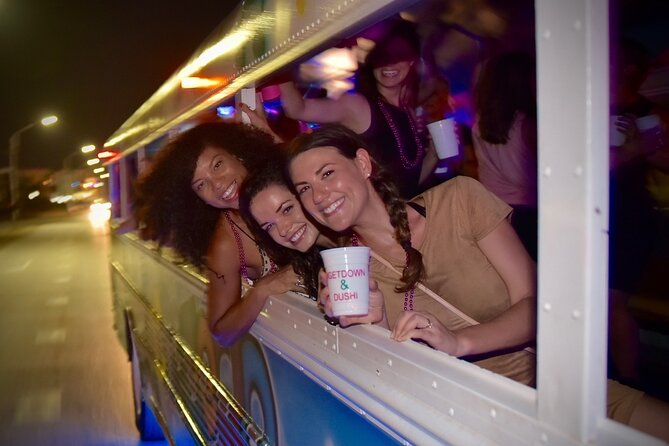 Nightlife Barhopping Tour with Dancing and Party Bus in Aruba