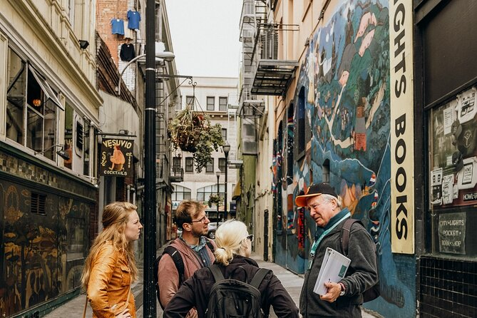 North Beach and Fisherman's Wharf Walking Tour with Bay Cruise